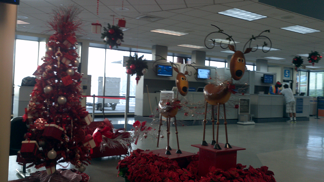 St Thomas Airport terminal holiday display